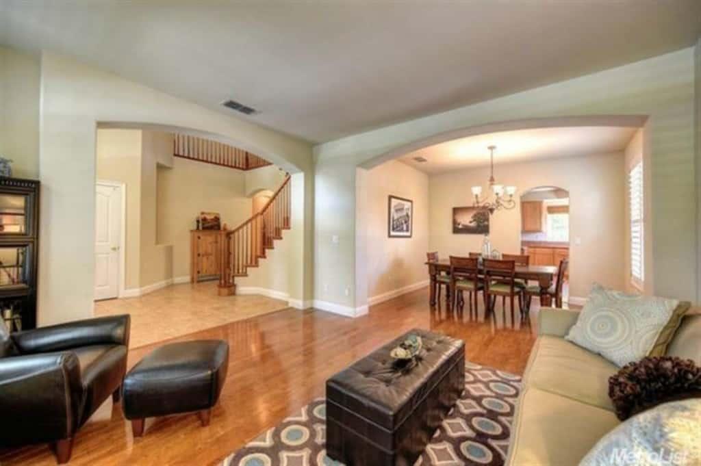 West Roseville CA Real Estate Agent Blogger Kaye Swain sharing lovely 4 5 bedroom house for sale multigenerational living dining 1200