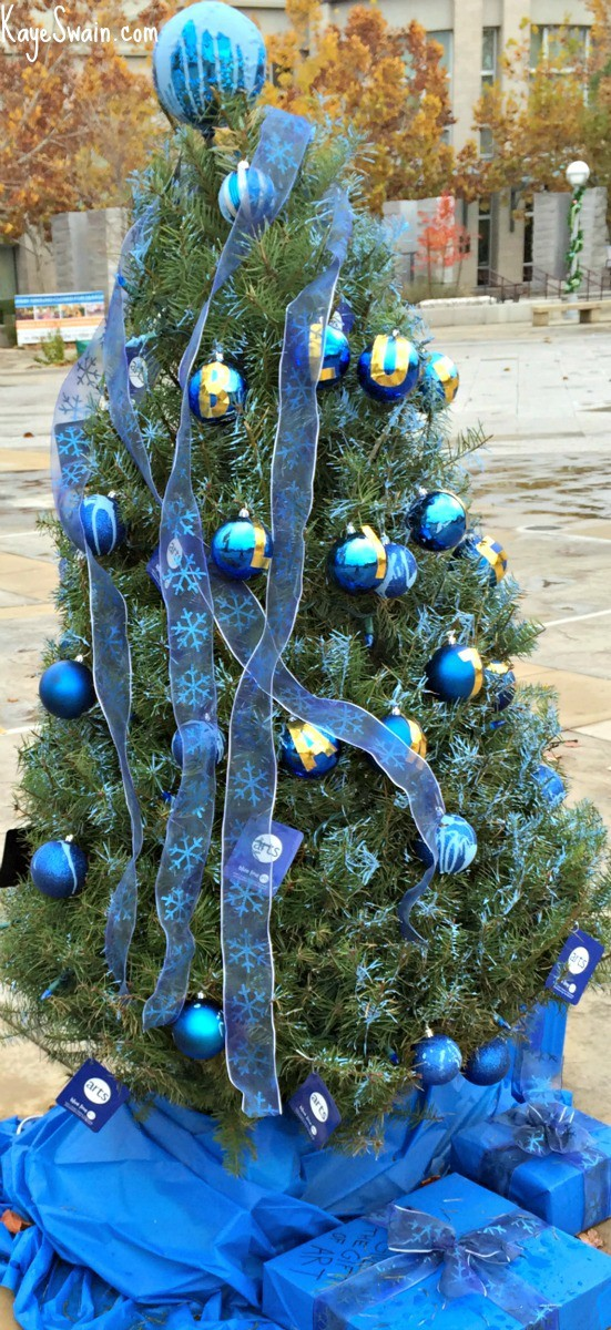 Kaye Swain Roseville CA real estate agent Kaye Swain sharing Blue Line Gallery Christmas tree in Downtown Square