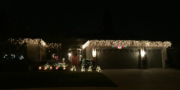 roseville-real-estate-agent-kaye-swain-sharing-roseville-ca-mile-christmas-lights